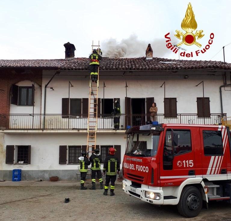 canna-fumaria-in-fiamme-a-murello