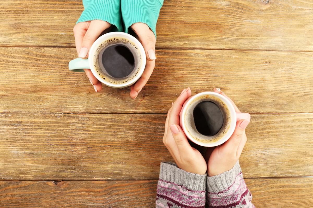 bere-piu-di-due-tazzine-di-caffe-al-giorno-riduce-il-grasso-corporeo.-lo-studio