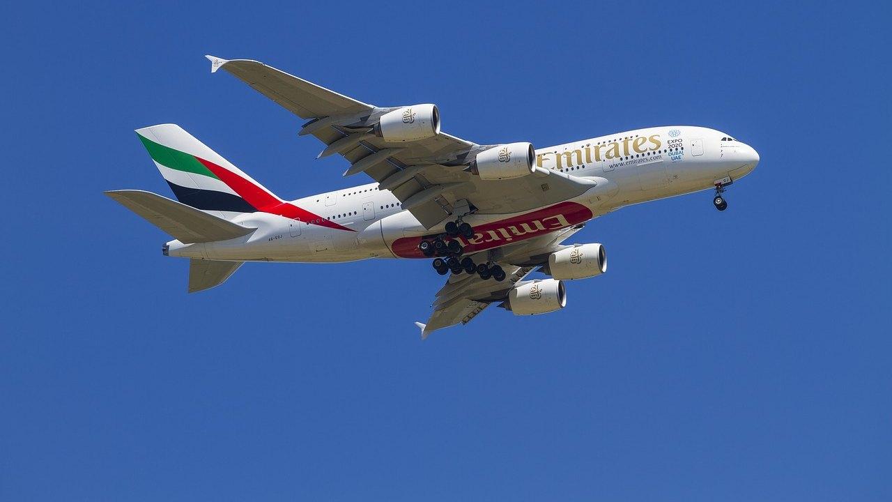 fly-emirates-manovra-anti-covid:-pagheranno-cure,-soggiorno-e-quarantena-ai-passeggeri