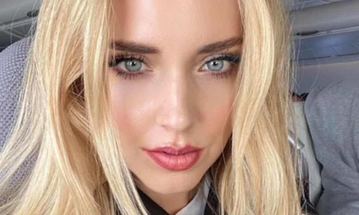 chiara-ferragni-incidente-piccante-con-il-traduttore,-fan-scioccati-–-video