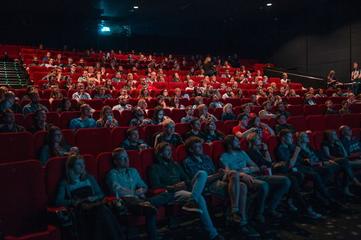 moratti:-riaprire-cinema-e-teatri.