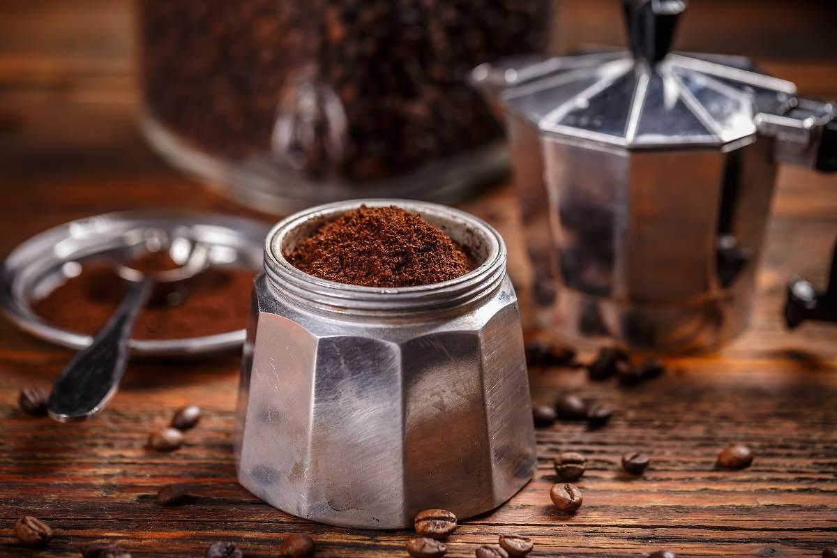 tracce-di-alluminio-nel-caffe-che-bevi.-i-reali-rischi-per-moka-e-cialde,-secondo-alcuni-studi