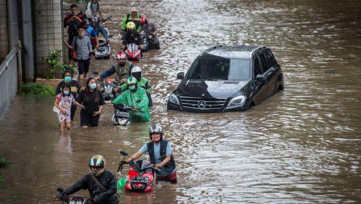 indonesia,-migliaia-di-sfollati-per-le-inondazioni-causate-dai-monsoni