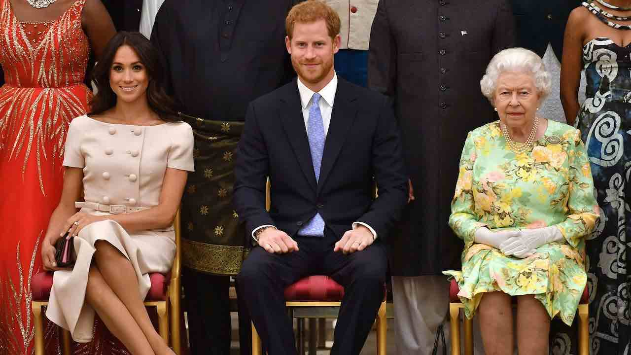 harry-e-meghan-privati-dei-titoli:-la-regina-elisabetta-lo-rende-ufficiale
