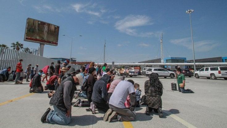 usa,-biden-affida-a-kamala-harris-la-gestione-dell'emergenza-migranti-al-confine