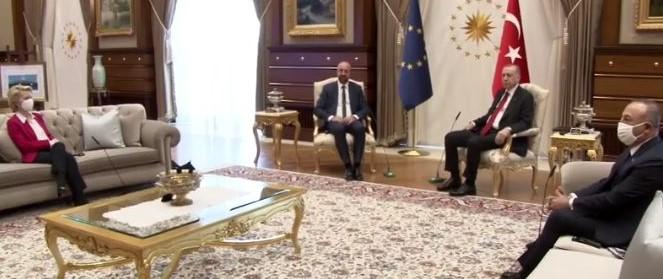 """erdogan-lascia-von-der-leyen-senza-sedia:-e-""""sofagate"""""""