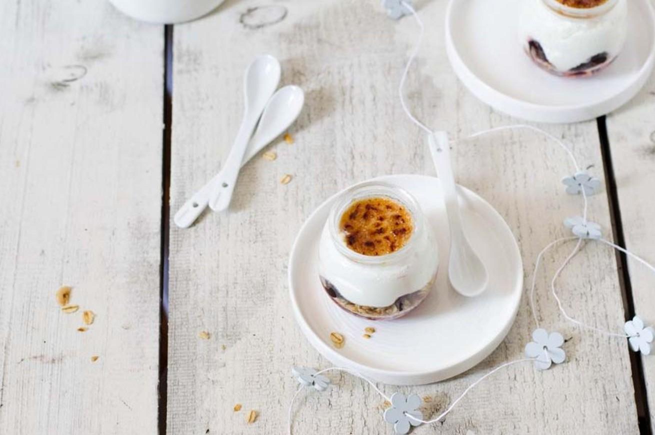 yogurt-caramellato-con-amarene