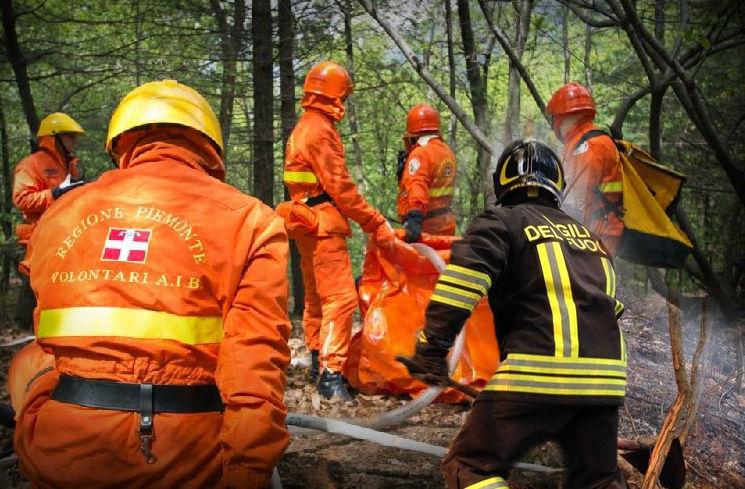incendio-boschivo-spento-dopo-oltre-4-ore-di-intervento-sulla-collina-di-corneliano