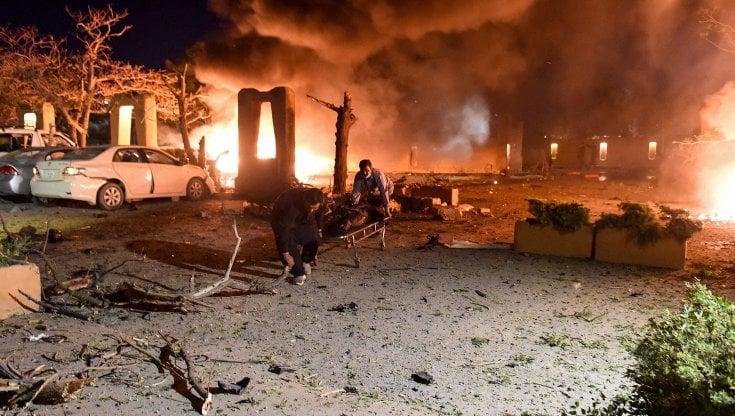 pakistan,-attentato-dinamitardo-in-un-hotel-di-lusso-a-quetta:-almeno-4-morti