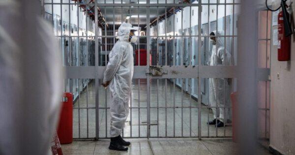 poggioreale,-arrivano-i-vaccini:-ma-le-altre-carceri?