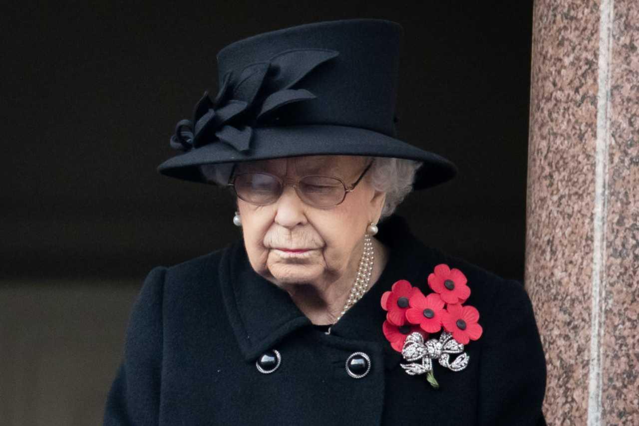 regina-elisabetta-sempre-piu-sola,-clamorosa-decisione-a-corte