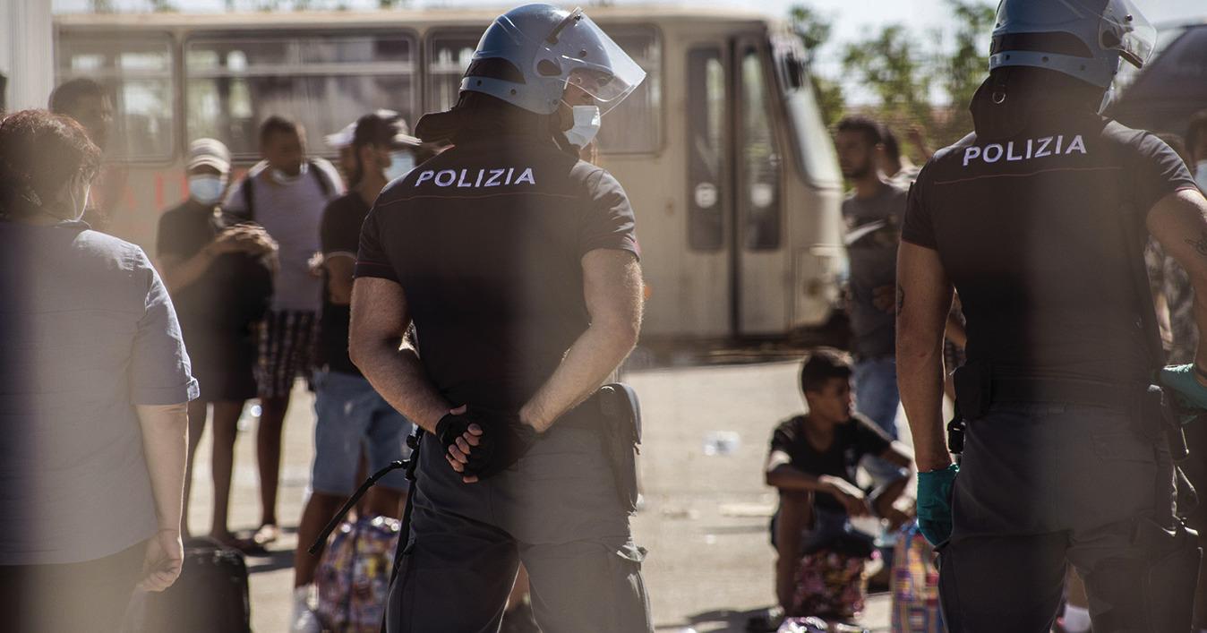 rispetto-dei-diritti-dei-migranti-negli-hotspot:-l'italia-di-nuovo-sotto-esame