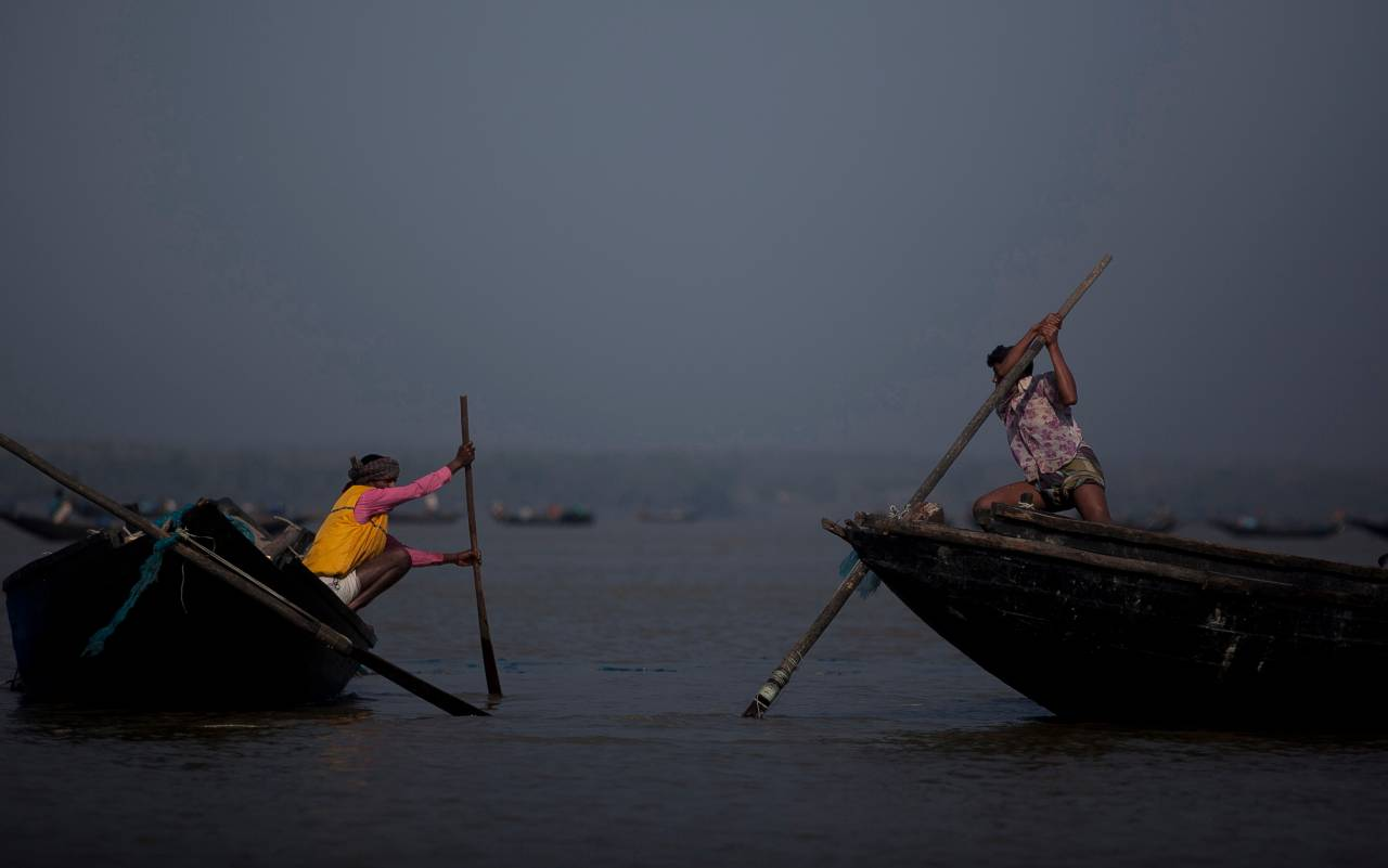 bangladesh,-tragedia-su-un-fiume:-due-barche-si-scontrano,-25-morti