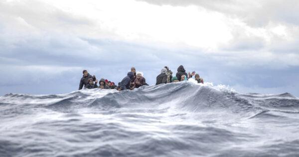 nuova-strage-nel-mediterraneo:-50-migranti-morti-al-largo-della-libia