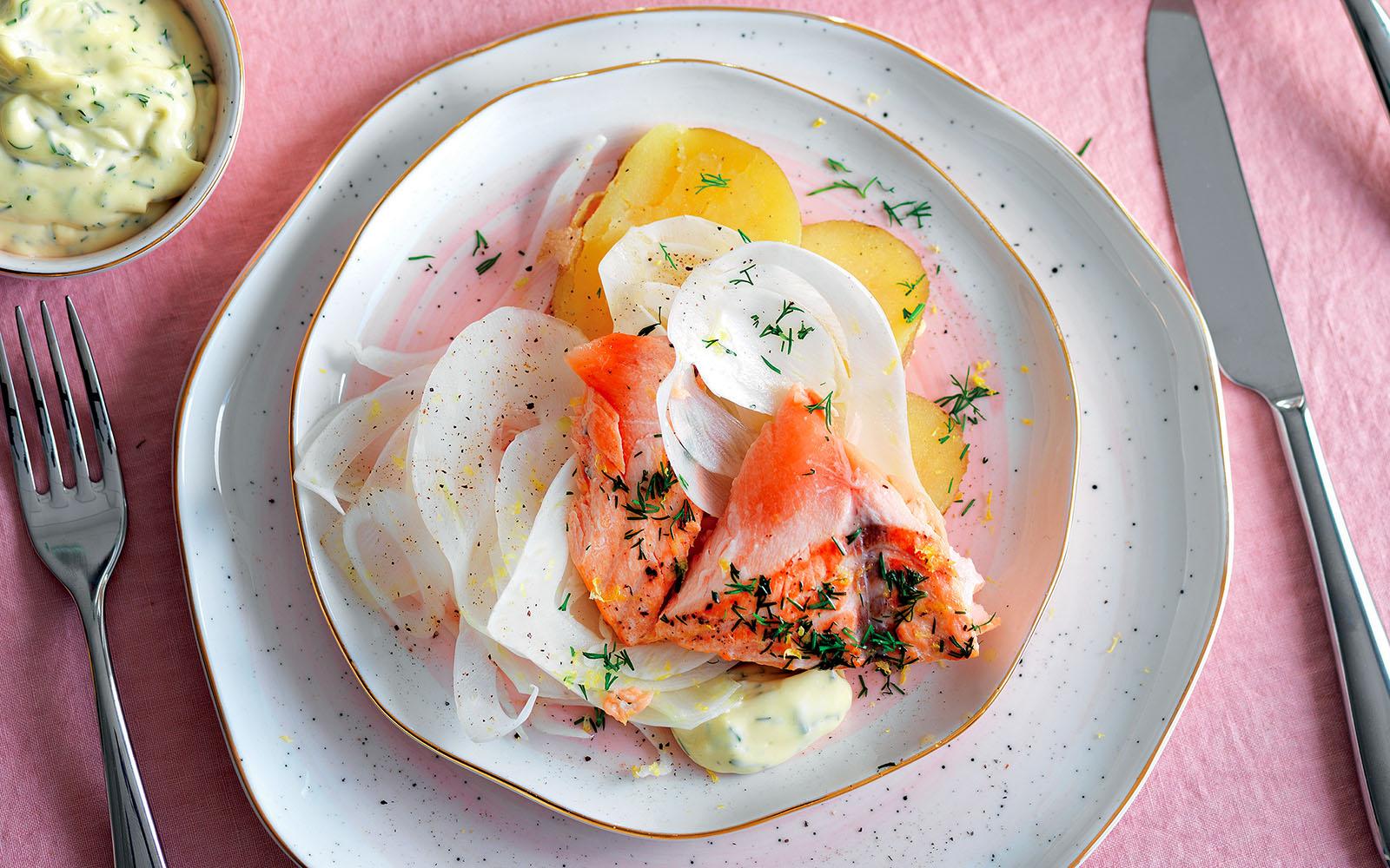 salmone-e-patate-in-cartoccio-aromatico