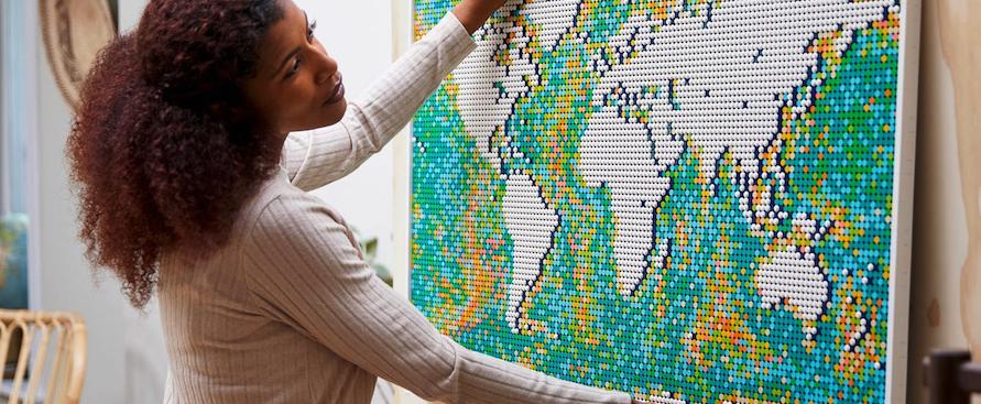 il-set-di-lego-con-11mila-pezzi-per-costruire-la-mappa-del-mondo