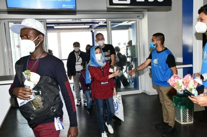 non-bastano-gli-sbarchi,-in-italia-ricollocati-altri-migranti.-e-in-5-anni-i-rifugiati-sono-solo-l'8%