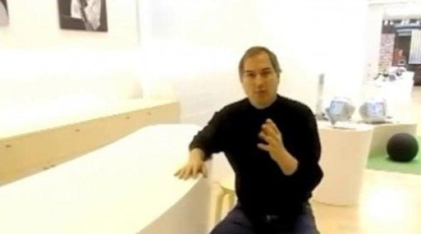 """maggio-2001:-steve-jobs-svela-il-""""genius-bar""""-di-apple"""