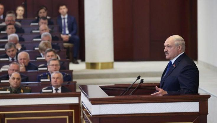 """bielorussia,-lukashenko:-""""reagiremo-con-durezza-alle-sanzioni"""".-la-nato:-""""minsk-liberi-protasevich-e-sapega"""""""
