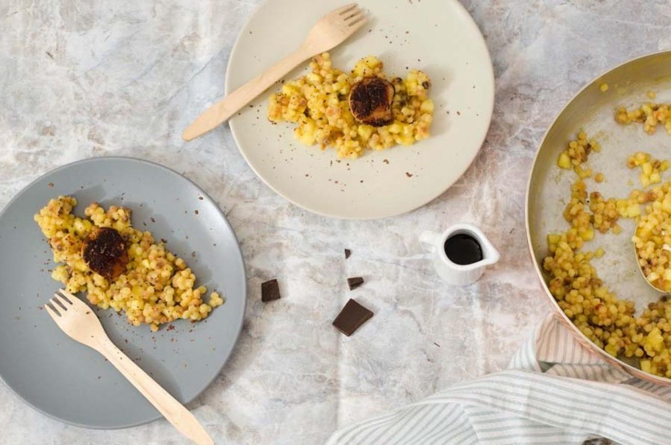 fregola-risottata-alle-capesante-e-cacao
