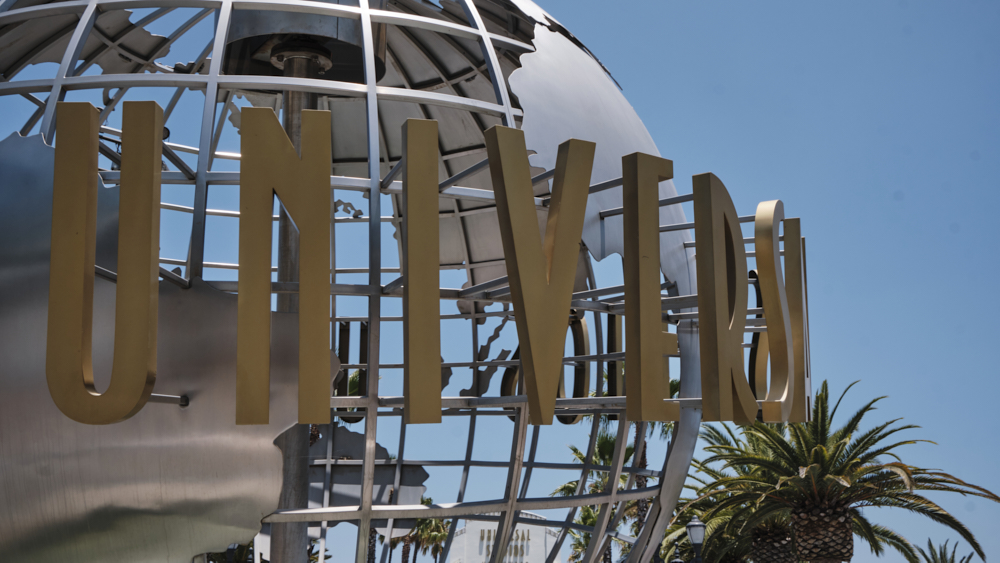 fire-breaks-out-at-universal-studios-theme-park-on-anniversary-of-2008-blaze