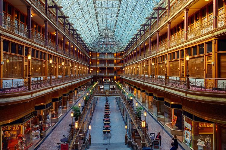 centri-commerciali,-boom-nei-week-end-graziano:-30%-di-visitatori-in-piu-rispetto-al-2020.