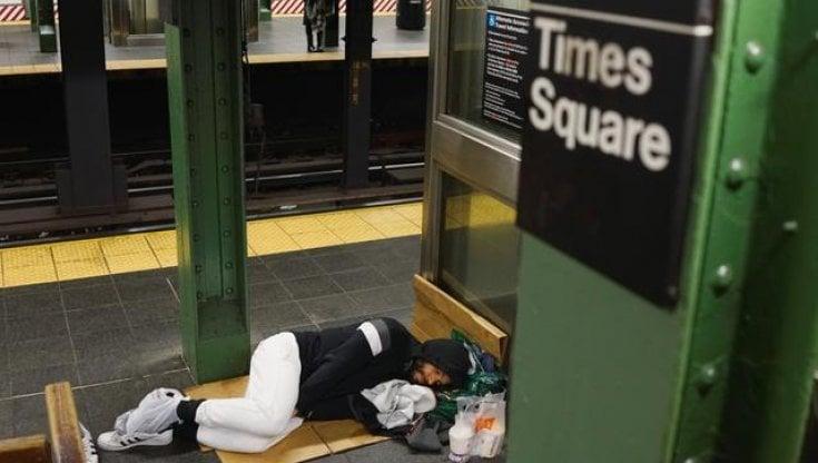new-york,-torna-il-turismo.-e-gli-alberghi-sloggiano-i-senzatetto