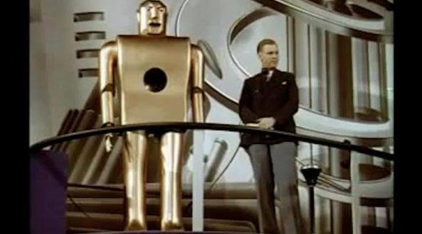 elektro,-il-robot-che-sapeva-fumare:-svelato-a-new-york-nel-1939