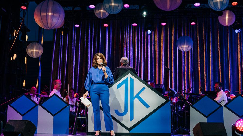 tina-fey-cracks-scott-rudin-joke,-jane-krakowski-covers-liza-minnelli-and-judy-garland-during-roundabout-theatre-gala