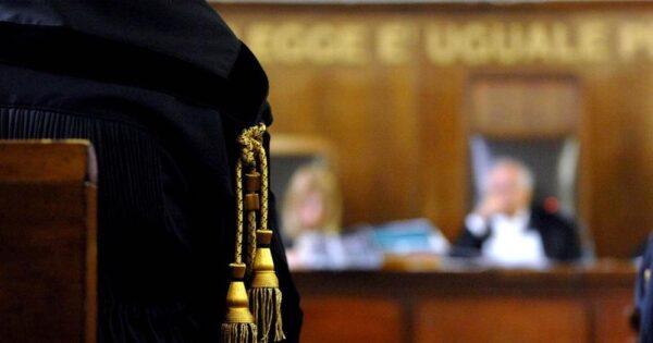 """sentenza-preconfezionata,-i-penalisti-napoletani-contro-i-vertici-anm:-""""basta-giravolte"""""""