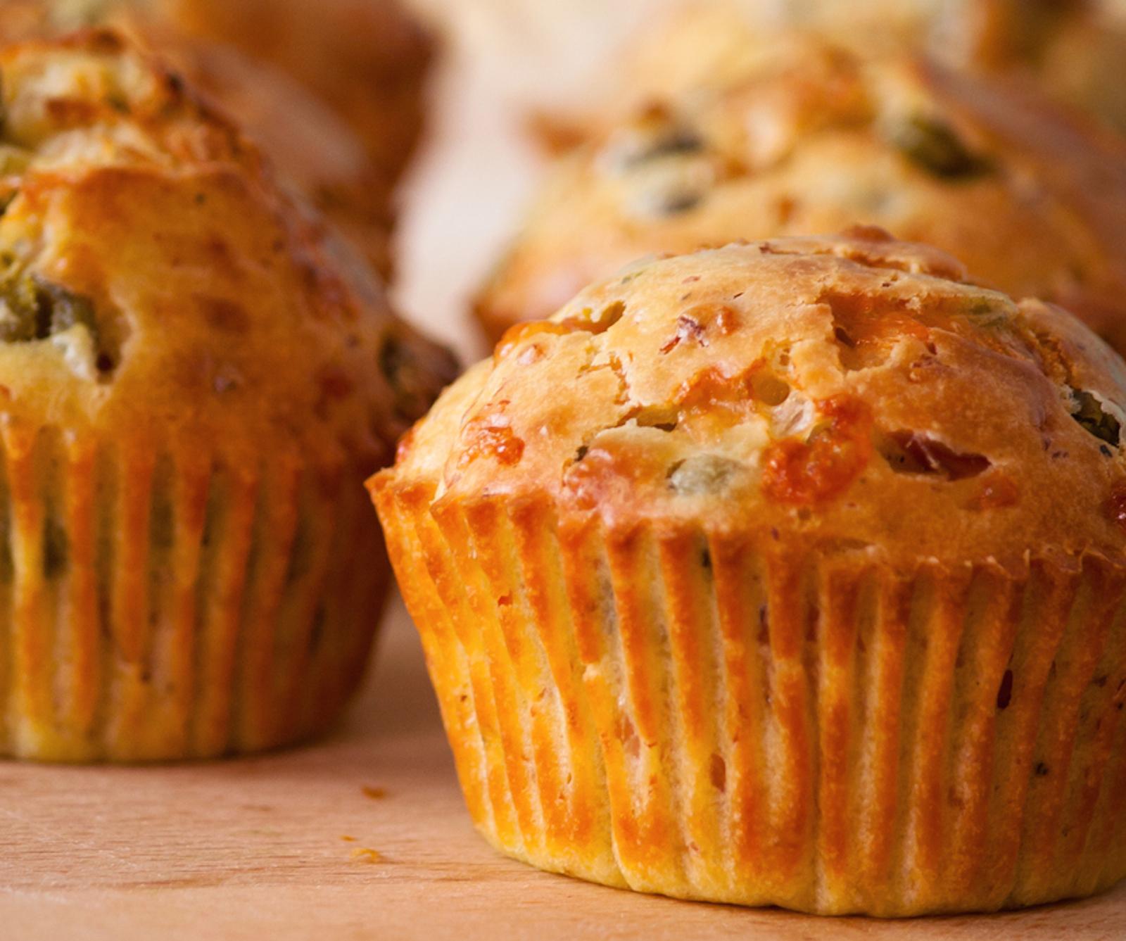 idee-per-un-picnic-in-famiglia:-muffin-con-fave-e-salame