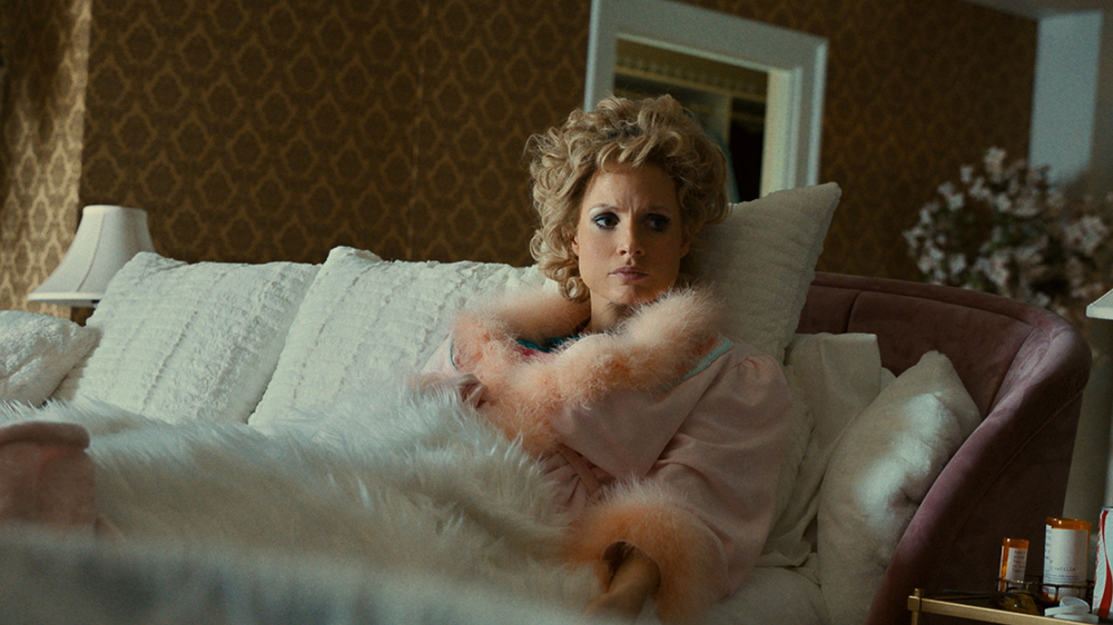 jessica-chastain-and-andrew-garfield-transform-in-'the-eyes-of-tammy-faye'-trailer