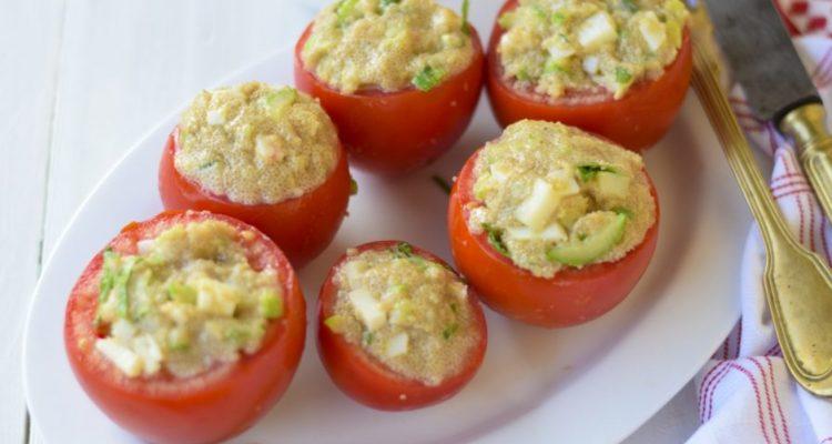 pomodori-ripieni-con-amaranto-e-salsa-tahina