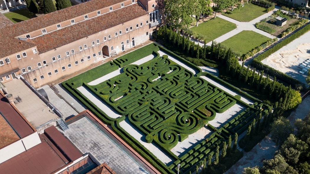 venezia,-il-labirinto-borges-apre-alle-visite-per-la-prima-volta-in-dieci-anni