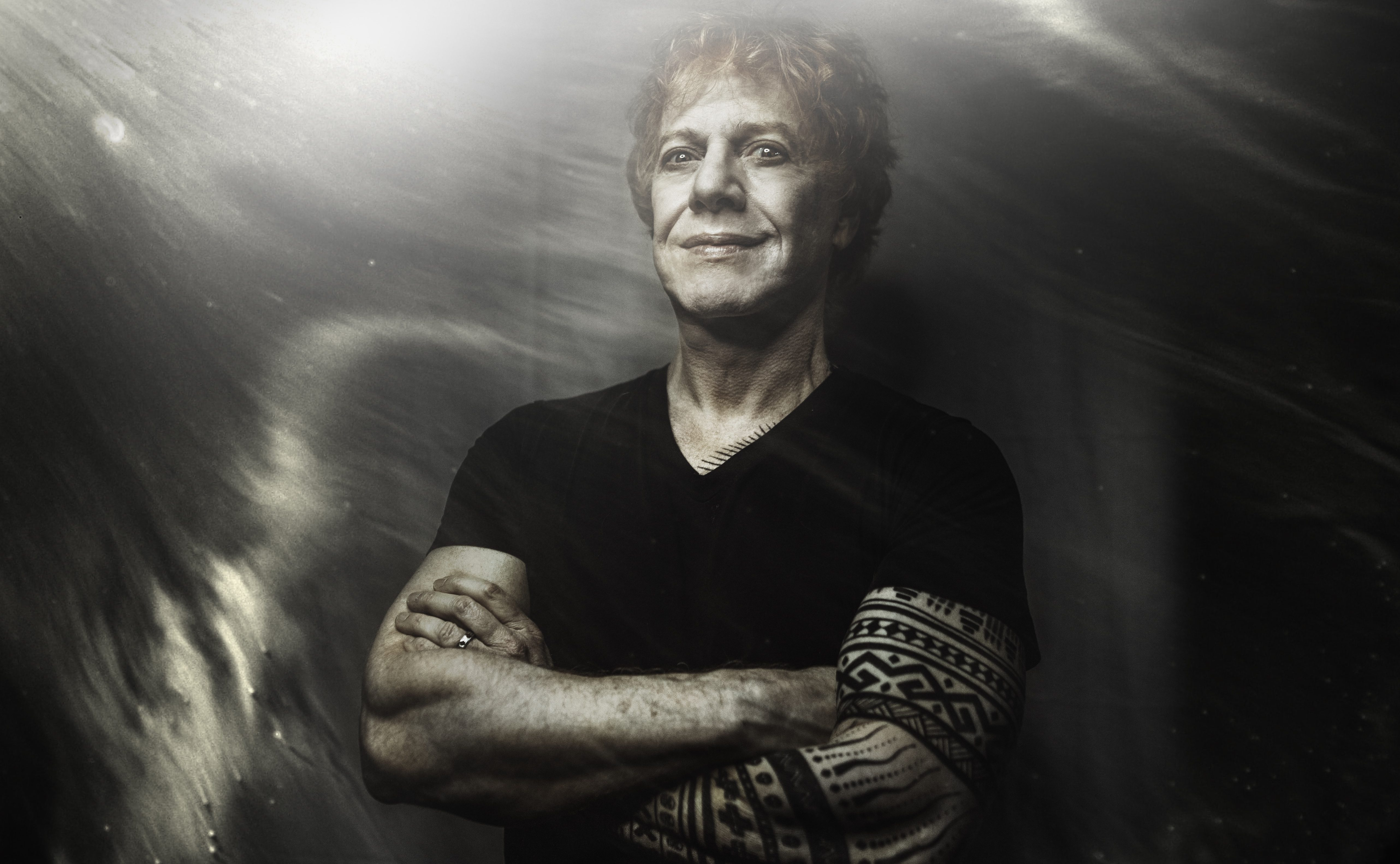 danny-elfman-talks-about-making-a-'big-mess,'-and-returning-to-rock-a-quarter-century-after-oingo-boingo-split