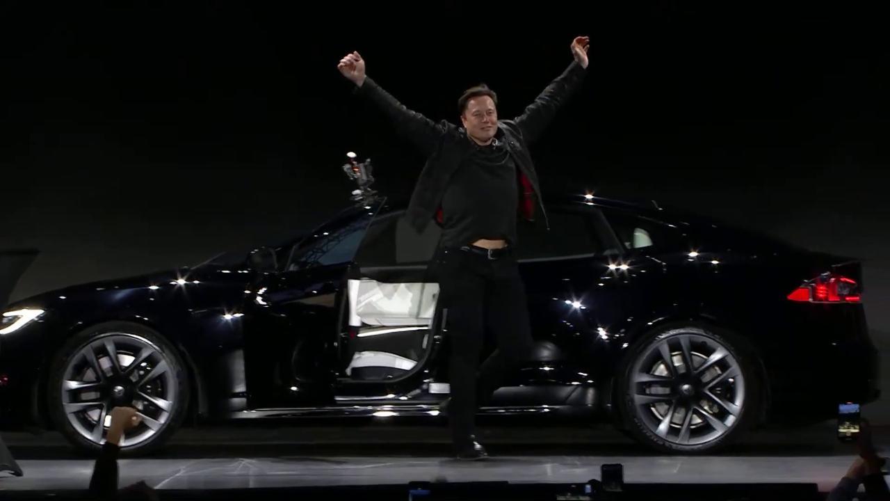 musk-spiega-perche-ha-voluto-un'auto-elettrica-che-passa-da-0-a-100-km/h-in-2-secondi