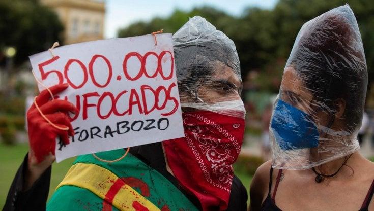 coronavirus-nel-mondo,-il-brasile-supera-mezzo-milione-di-vittime-e-scivola-verso-la-terza-ondata.-in-india-contagi-al-minimo