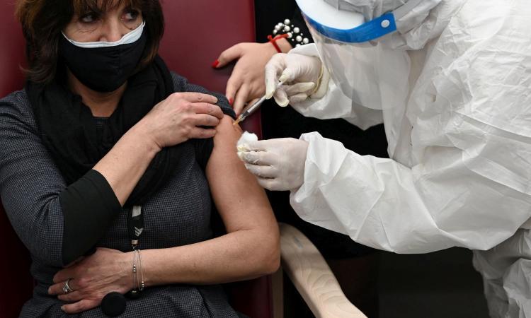 coronavirus,-il-bollettino:-782-nuovi-casi-e-14-morti.-vaccinati-quasi-50-milioni