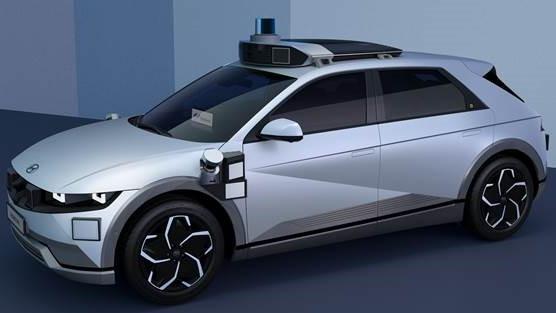 guida-autonoma,-hyundai-e-motional-svelano-il-robotaxi-ioniq-5:-su-strada-nel-2023-con-lyft