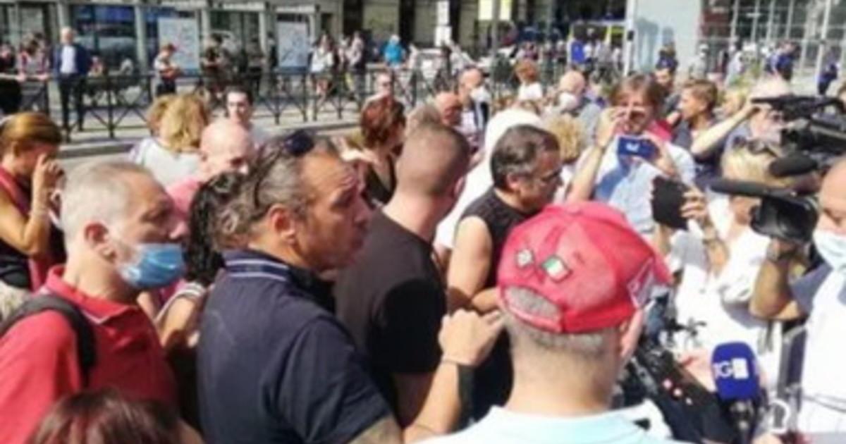manifestazioni-contro-il-green-pass-in-italia,-pochi-partecipanti