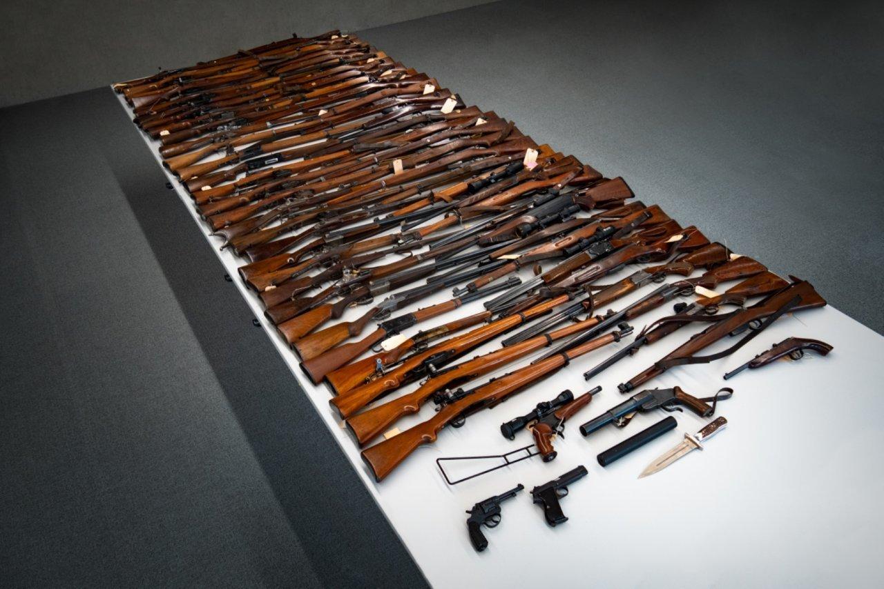 con-settanta-armi-in-casa-(di-cui-alcune-illegali)