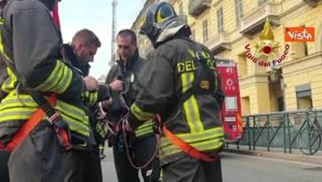 incendio-nel-centro-di-torino,-l'intervento-dei-vigili-del-fuoco
