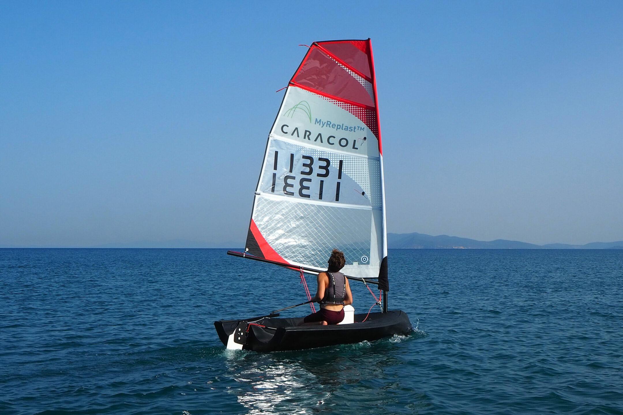 caracol-e-nextchem-hanno-ideato-la-prima-barca-vela-stampata-in-3d-con-materiale-riciclato