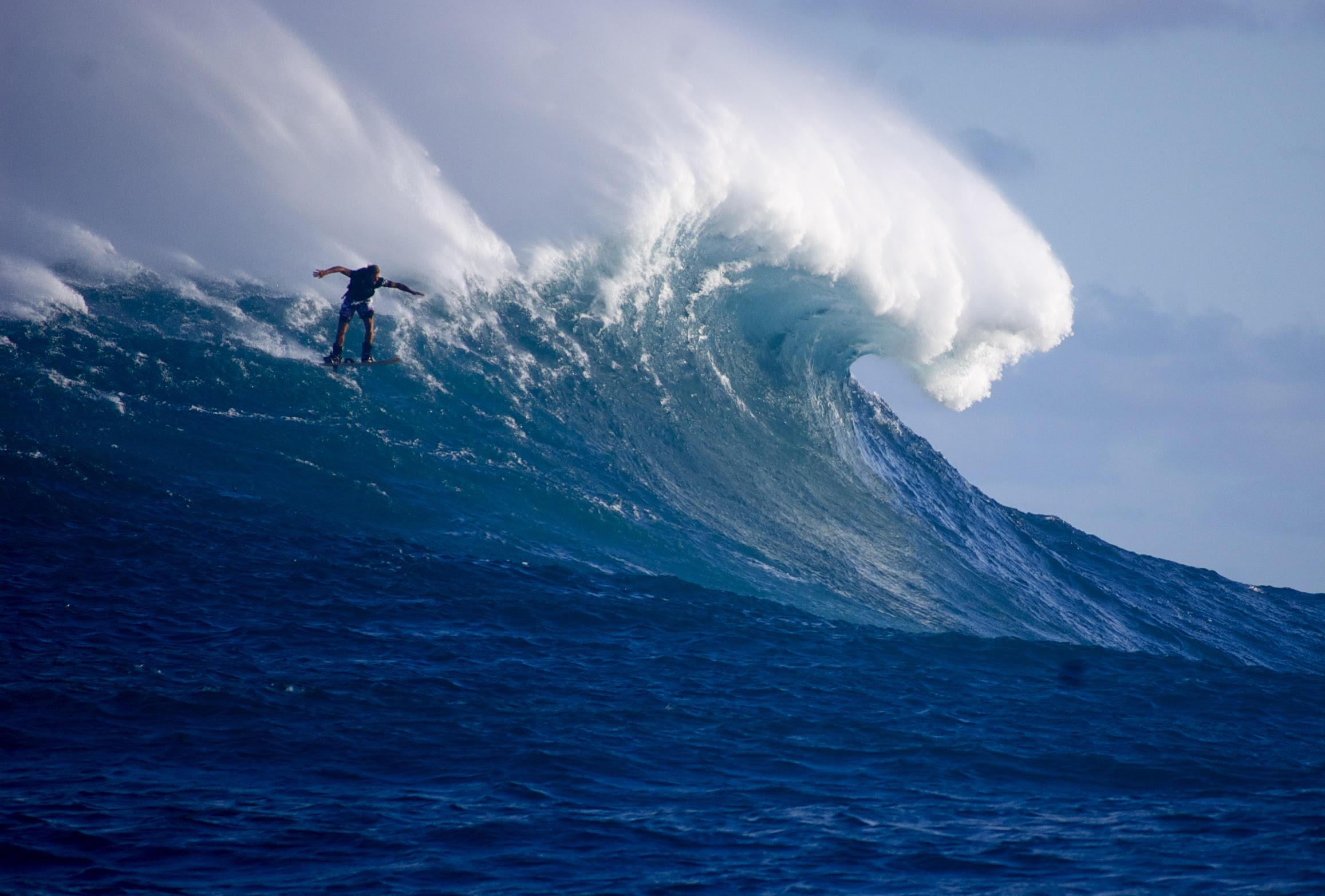 a-cavallo-dell'onda-con-laird-hamilton,-il-surfista-imprenditore-che-prova-gioia-nell'aiutare-il-prossimo