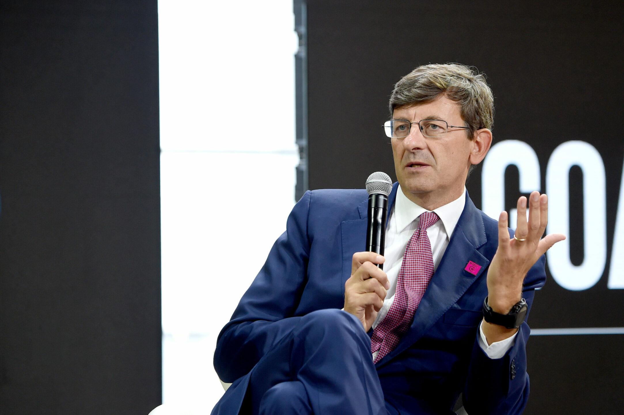 cosa-prevede-il-piano-di-vittorio-colao-per-digitalizzare-la-pa:-sul-tavolo-6,7-miliardi-di-euro