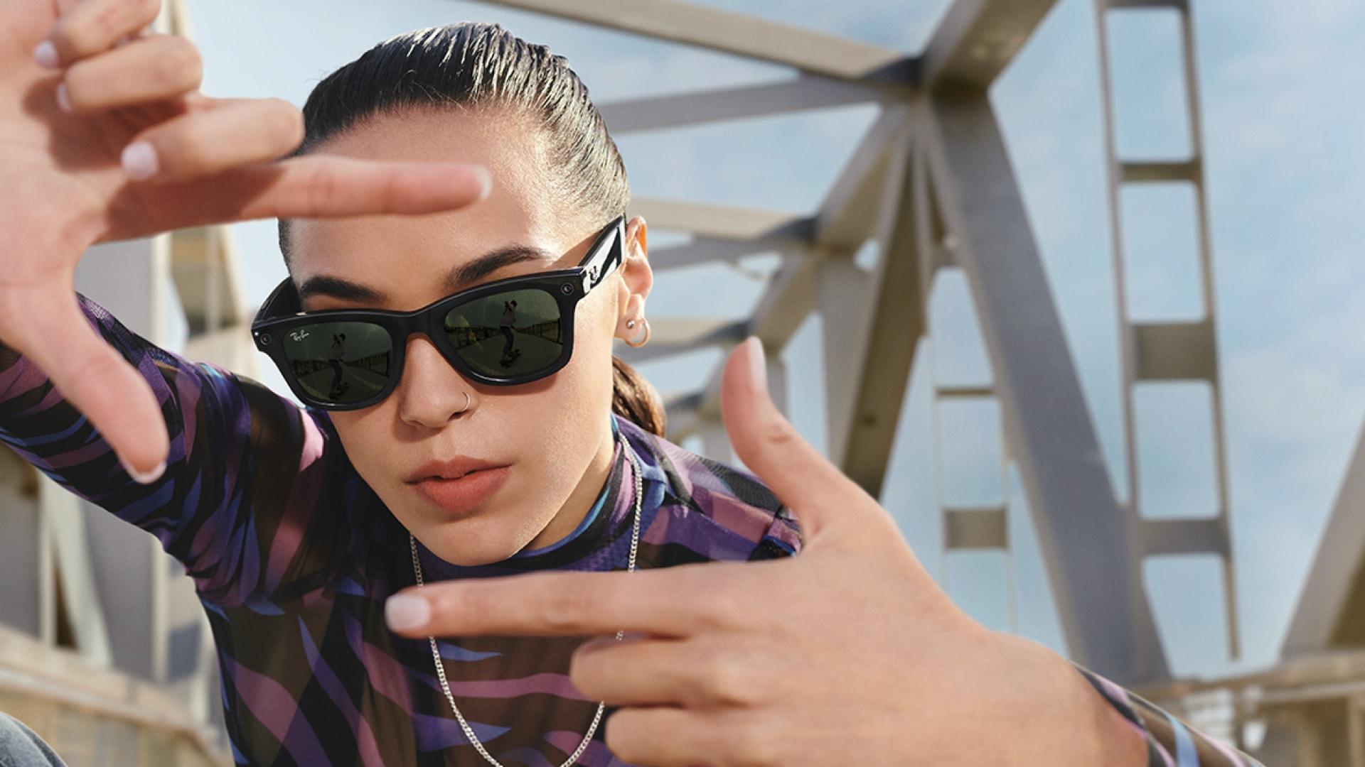 ecco-come-sono-i-primi-occhiali-da-sole-smart-realizzati-da-facebook-e-ray-ban
