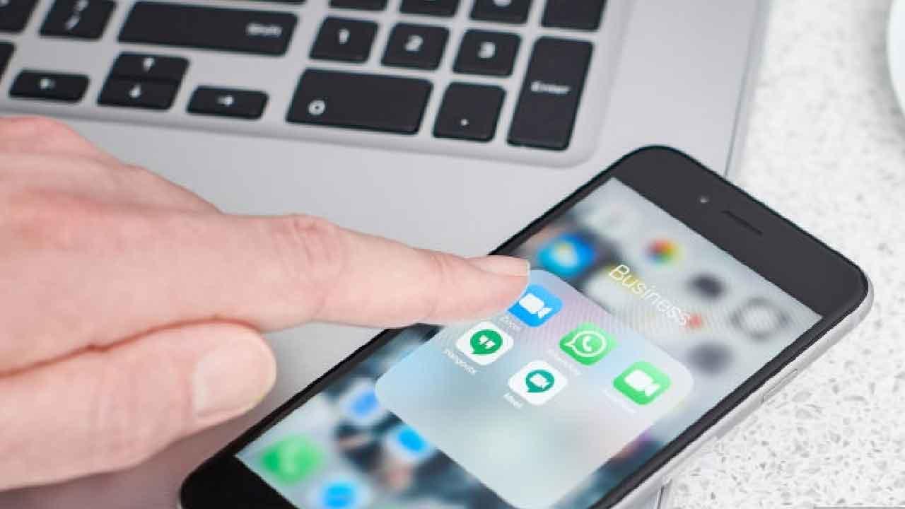stato-whatsapp,-le-parole-usate-possono-costituire-reato-di-diffamazione