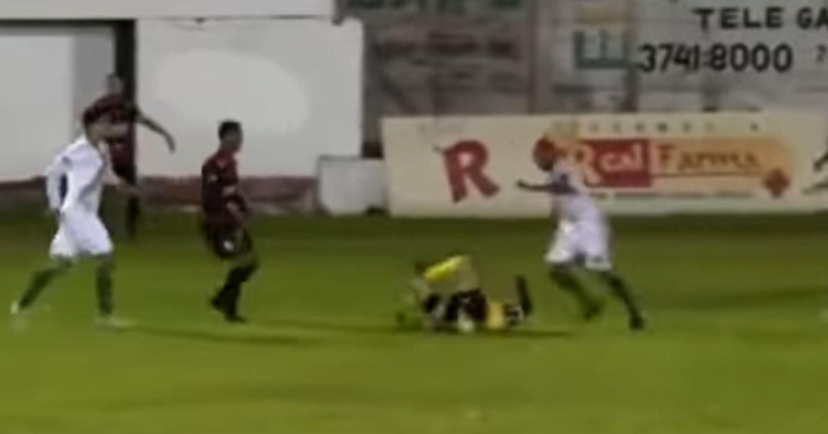 calci-in-testa-all'arbitro,-ricoverato-d'urgenza.-il-calciatore-arrestato:-orrore-in-brasile- -immagini-forti