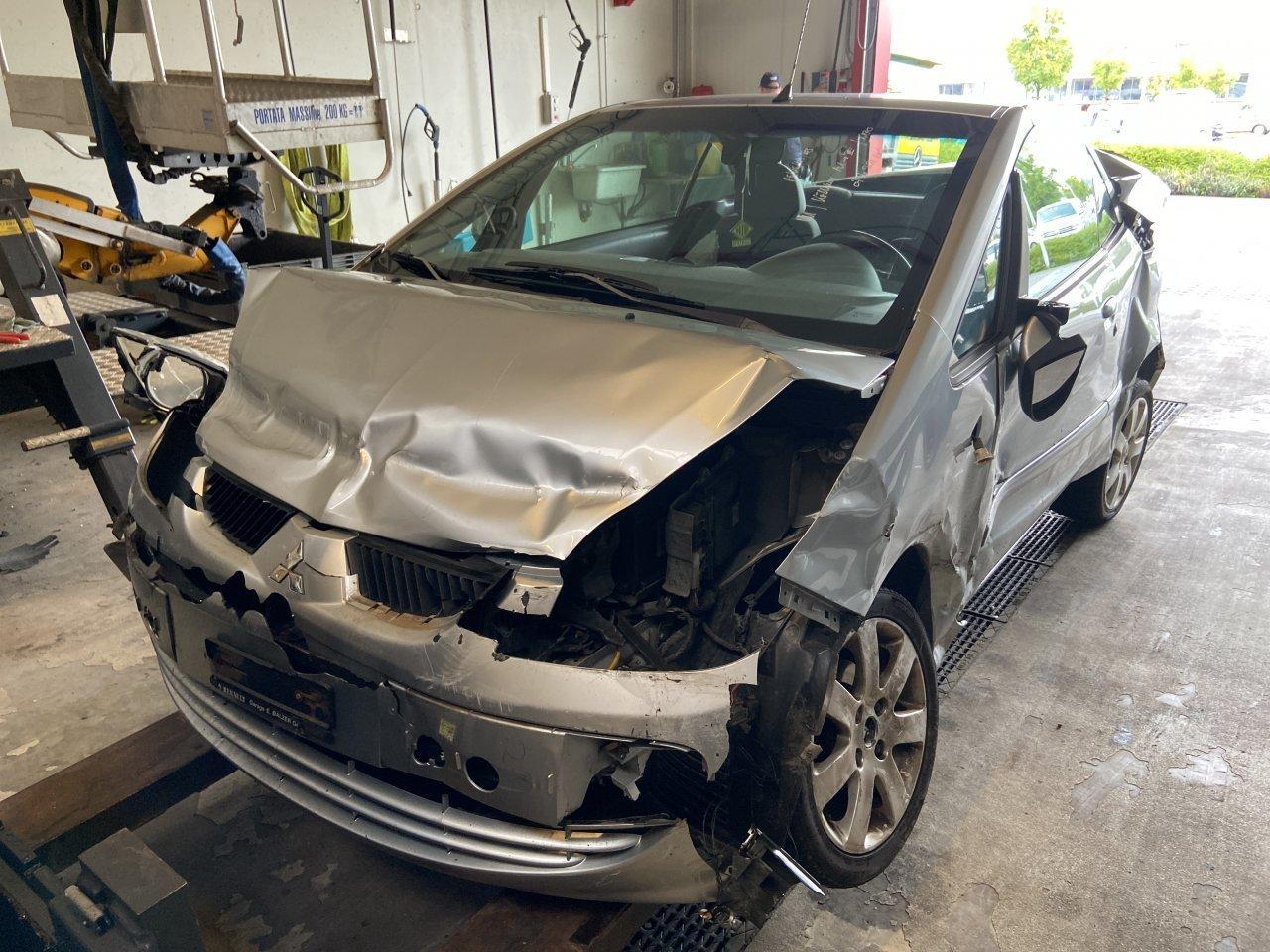 al-volante-senza-patente,-23enne-causa-quattro-incidenti