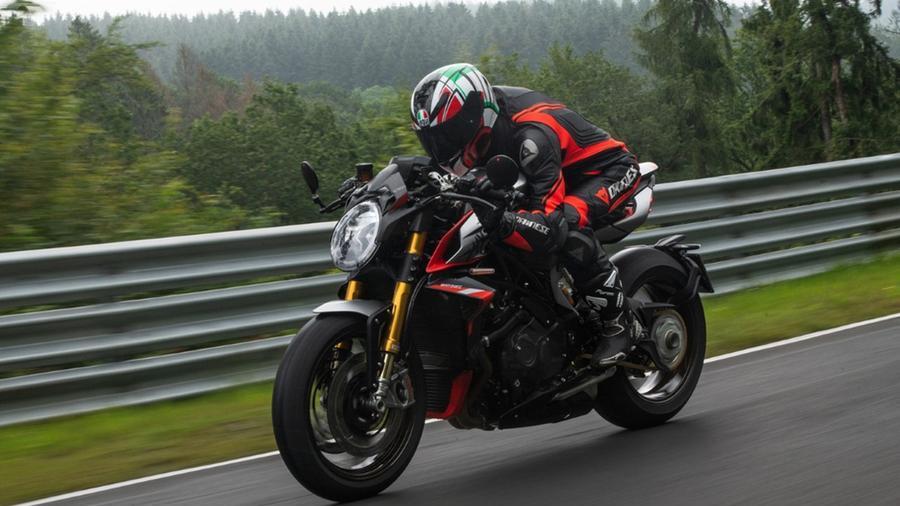 mv-agusta-nurburgring,-solo-150-esemplari-con-cerchi-in-carbonio-e-kit-racing